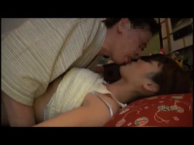 酔わせたカワイい小娘にちんこしゃぶらせSEXガン射☆☆