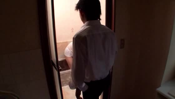 巨乳の素人女性の近親相姦無料jyukujyo動画。母親の魅力的な巨乳お...